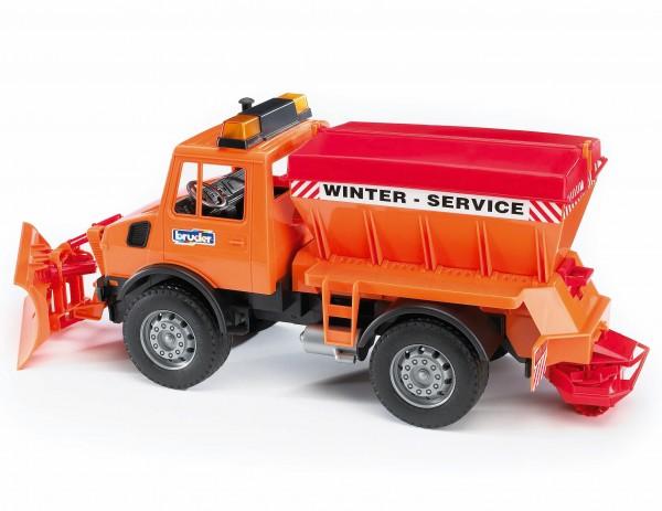 Mercedes-Benz Unimog Winterdienst mit Räumschild