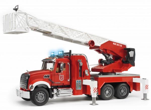 MACK Granite Feuerwehrleiterwagen mit Pumpe