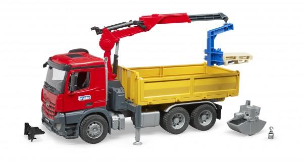 Mercedes-Benz Arocs Baustellen-LKW mit Kran, Schaufelgreifer, Palettengabeln und 2 Paletten