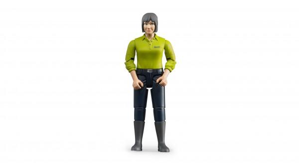 Frau mit hellem Hauttyp und dunkelblauer Hose