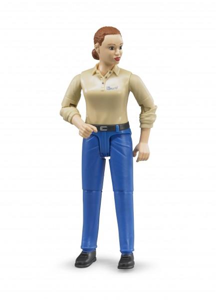 Frau mit hellem Hauttyp und blauer Hose